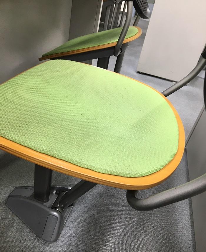 試験講習場の椅子(座れるver)